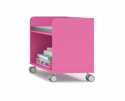 Shelving unit 1 space on casters