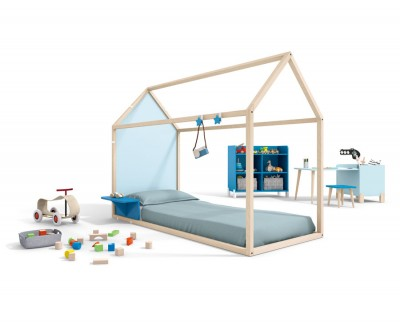 Children's bedroom set comprising a panelled house bed with desk and shelves