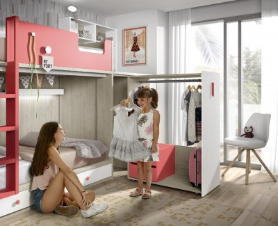 Set comprised of bunk bed, wardrobe and pull-out desk